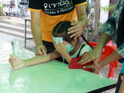 ผอ.โรงพยาบาลสูงเม่น ลงตรวจเยี่ยมจุดคัดกรองและตรวจรักษา(ARI)